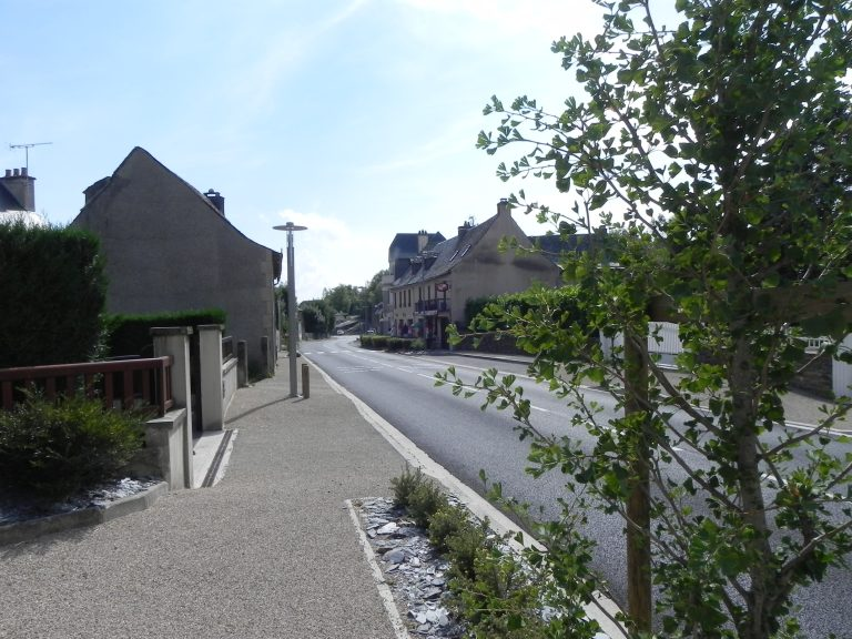 Traversée du village du Cayrol