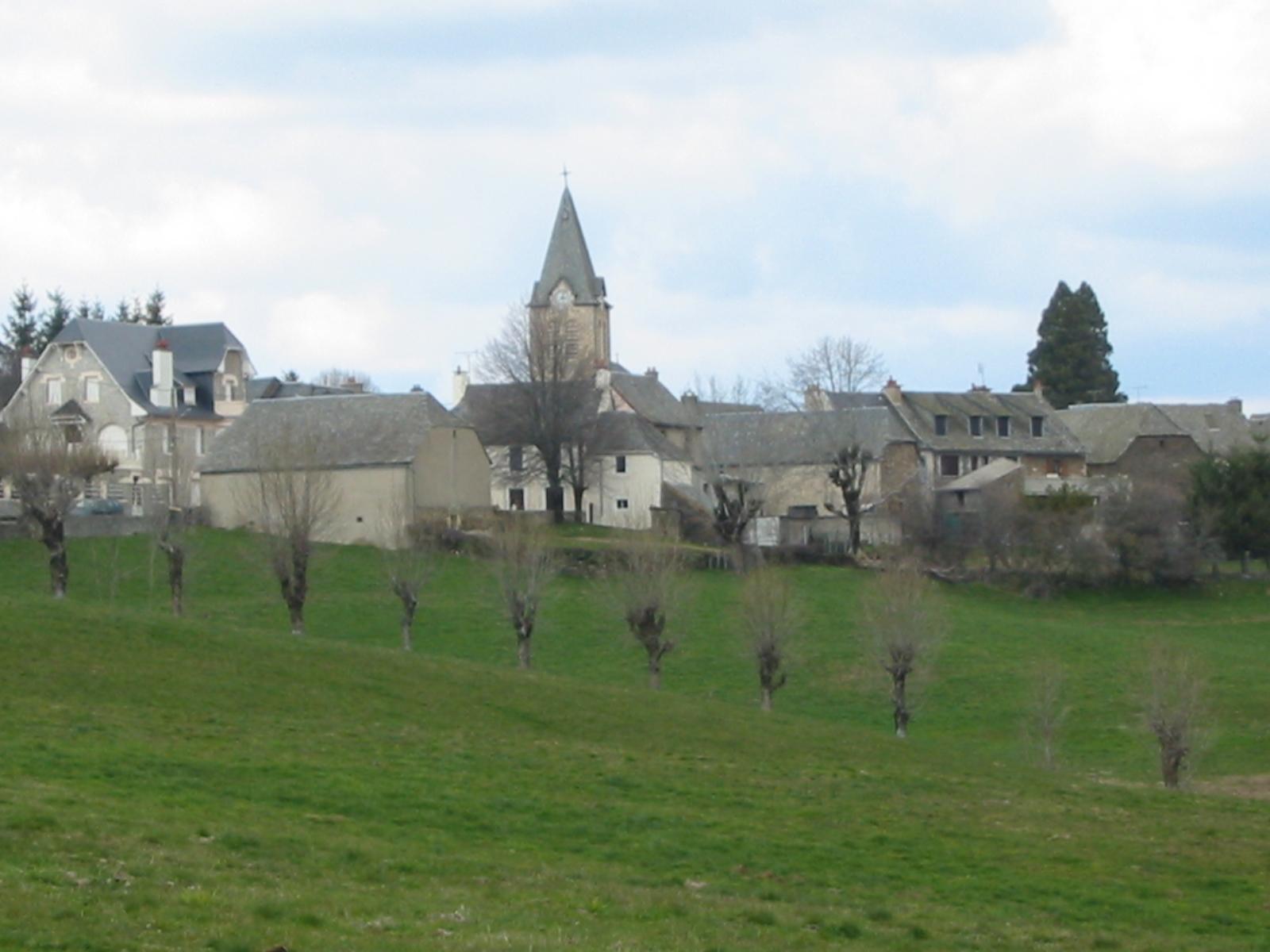 Vue du village Le Cayrol